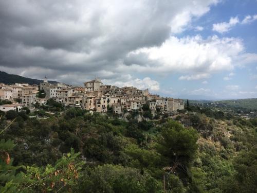 Un petit village en France