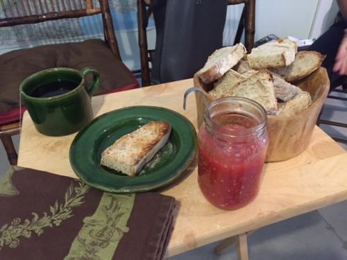 Pan tostado con Tumaca